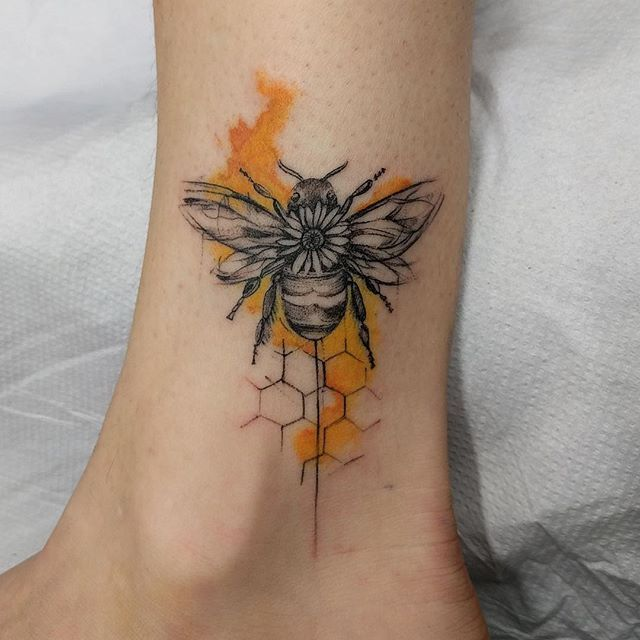 21 Bee Tattoo Designs > CherryCherryBeauty.com never wnated bee tattoo but this catches my eye for some reason