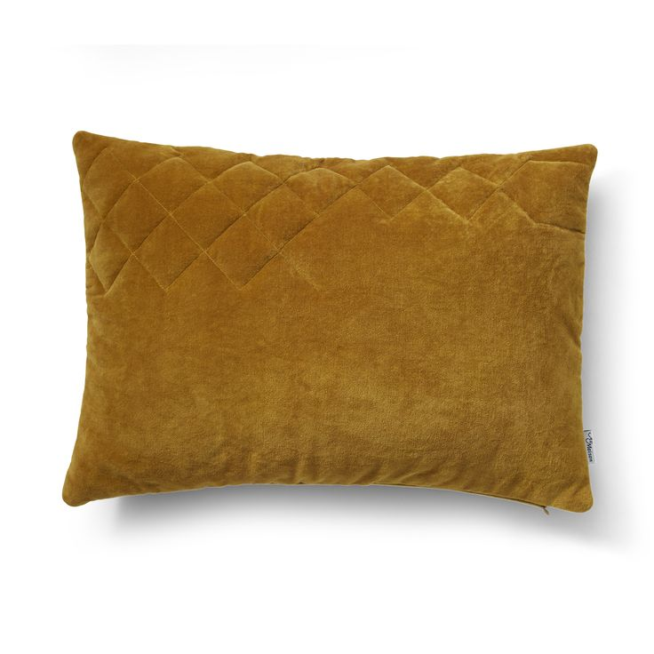 Angie quilt pillow