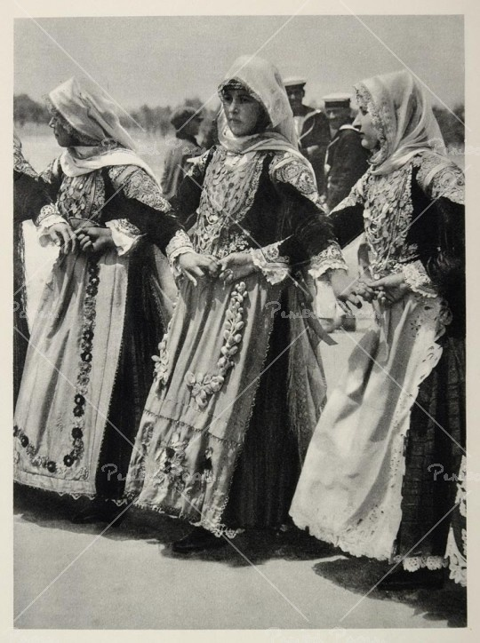 Greek women in folk costume, c. 1937 #CalypsoHoliday