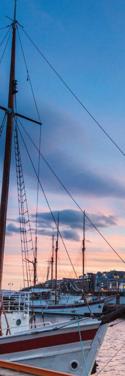 Gi bort et cruise i Oslofjorden som årets morsdagsgave! Det er stemningsfullt å seile inn i kveldssolen, og en smakfull rekebuffet er inkludert i gavekortet.