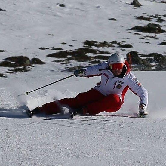 Unser Geschäftpartner im Einsatz :) Und nicht vergessen jeder der bei uns übernachtet bekommt 10% auf Skiverleih http://ift.tt/1PRgKQu  http://ift.tt/1TjHHCj  #Sulden #Solda #Snow #Schnee #Neve #Winter #Inverno #loverthemountains #Skifahren #Sciare #Skiing #Schneesicher #Neuschnee #Neve_Fresca #Powder #Urlaub #Winterurlaub #Snowboard #Südtirol #Alto_Adige #South_Tyrol #Ortler #Eisklettern #Alpen #Restaurant #Pizzeria #Burger #Hotel #Jugendherberge
