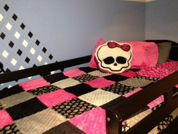 Skull Minky Twin Size Blanket Twin Size by tarascozycreations