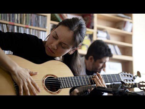 Rodrigo y Gabriela: NPR Music Tiny Desk Concert - YouTube