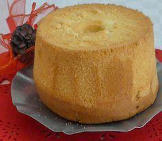 Oggi vi propongo la chiffon cake, il dolce delle tradizione americana. Ad agosto sono stata, per un breve soggiorno, a New York e da allora non riuscivo più a togliermi di mente questa torta che vedevo in tutte le caffetterie e che mi ha conquistata per la sua straordinaria leggerezza e vaporosità. Non è un…