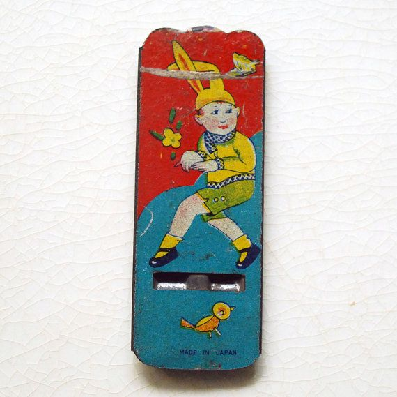 Vintage Tin Whistle prix Cracker Jack Bunny Boy par CalloohCallay