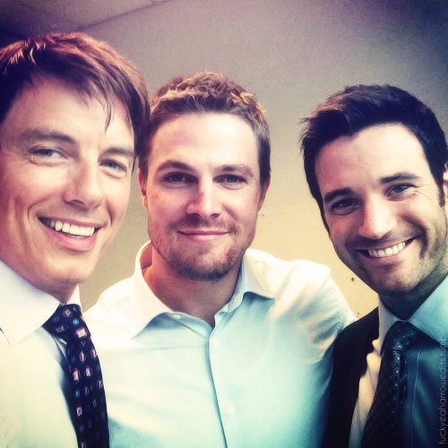 John Barrowman, Stephen Amell, and Colin Donnell. the arrow cast. i miss Colin Donnell. Why did he ever have to die?!?!?!?