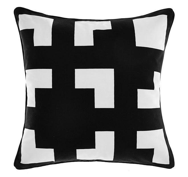 deco-city-living-45x45cm-filled-cushion-black