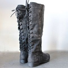 laced up weathered riding boots - black