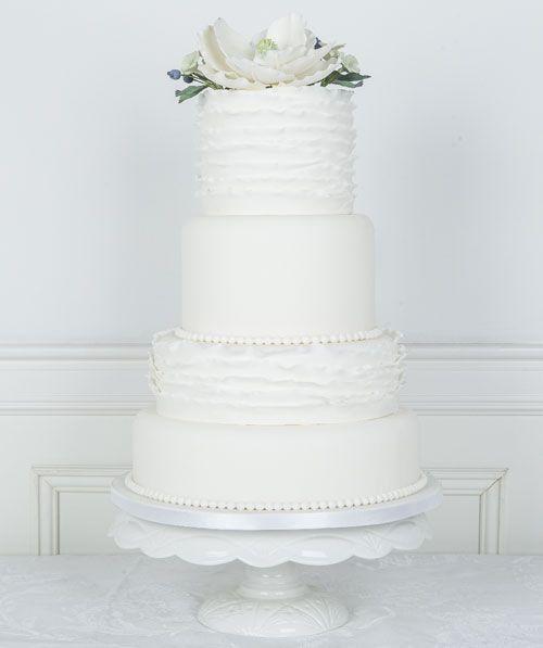 Soft Ruffles #Bryllupskake #CakesbyHancock #Bryllup