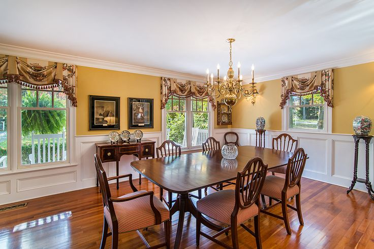 Beautiful Westport estate for sale. Classy yet cozy dining room. Contact Deb Cooke of the Higgins Group for more details. 203-254-9000.http://higginsgroup.idxre.com/homes/20/4591/3-TWIN-FALLS-LANE-WESTPORT-CT-06880/99083924