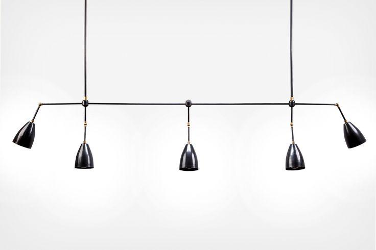 Lekker taklampe fra Amerikanske Apparatus. Disse lampene produseres i New York og kommer i flere ulike størrelser og som veggmodell. Pris på forespørsel. 10-12 uker leveringstid
