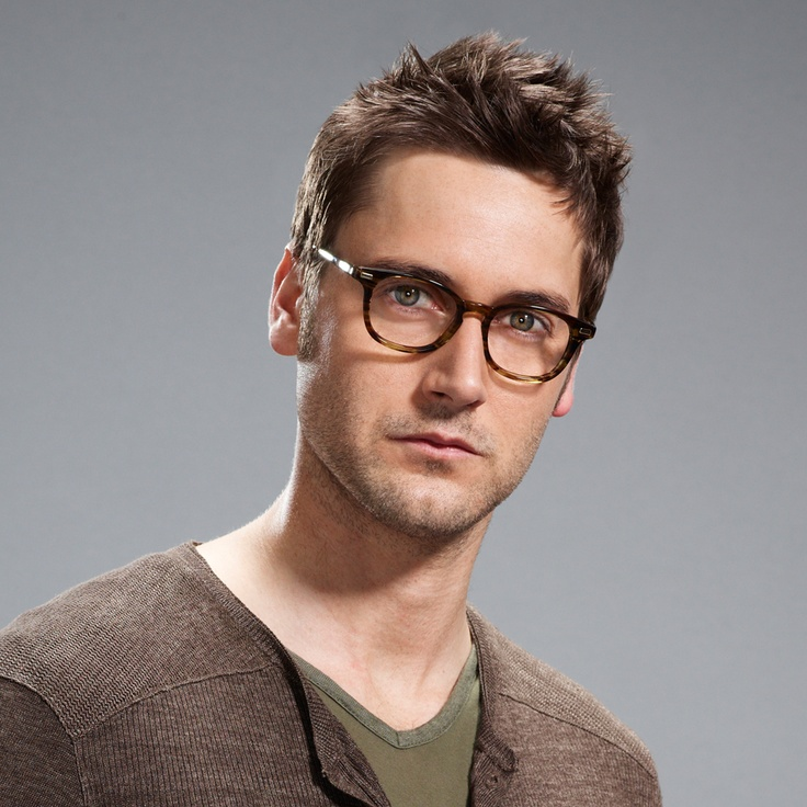 ryan eggold as tom keen your kiss on my list pinterest