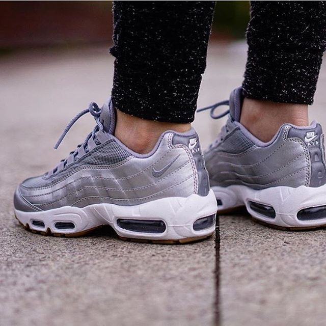 Nike Airmax 95 x NikeiD Shoutout to @caropuccino for keeping these plain and simple Looking fire on foot! #airmaxalways