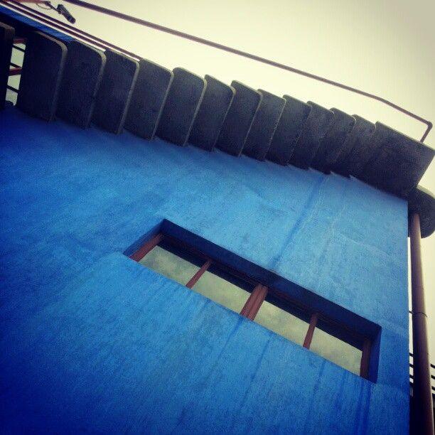 Museo Casa Estudio Diego Rivera y Frida Kahlo. Diego Rivera esq. Altavista. San Angel, Mexico City. Horarios: Martes a domingo de 10:00 a 18:00 hrs. Entrada 12 pesos, domingo entrada libre. Entrada libre con credencial de estudiante o INAPAM.