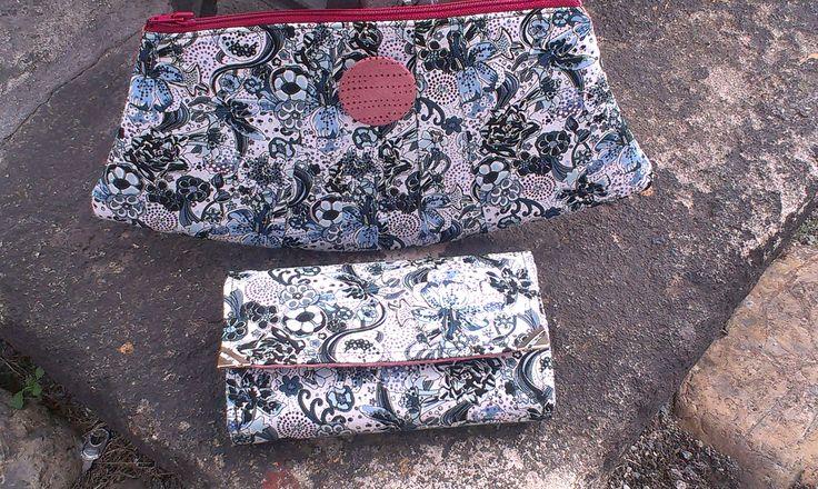 Mini set - kosmetická taštička a peněženka.