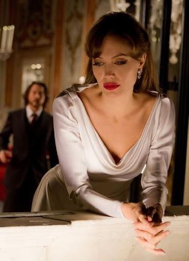 Stunning!! Prettiest lady alive