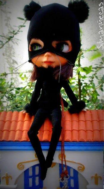 Caty disfrazada de gato para halloween