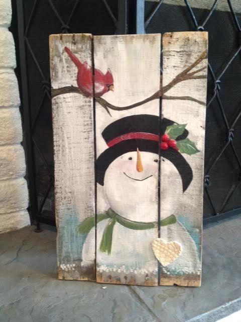 Cardinal visits snowman! wood crafts, cardinal, snowman, winter, pallet, pallet crafts, vintage snowman #ad #WoodCraftsSnowman