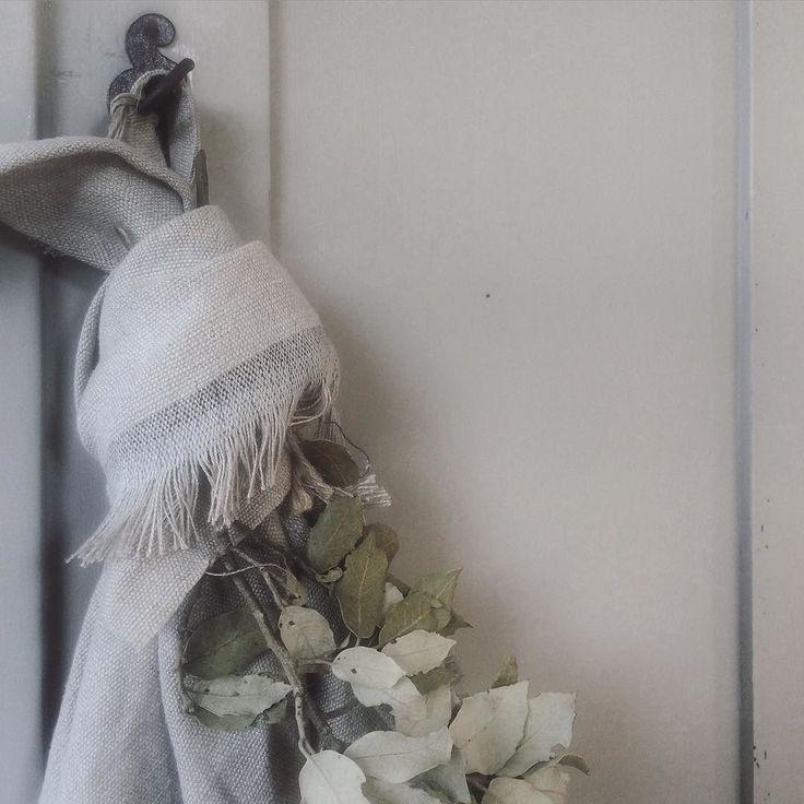 <3 linnen #hoffz #linnen #doek #homedeco #decorate #interieur #interieurstyling #landelijkwonen #natural #myhome by cris.interieur