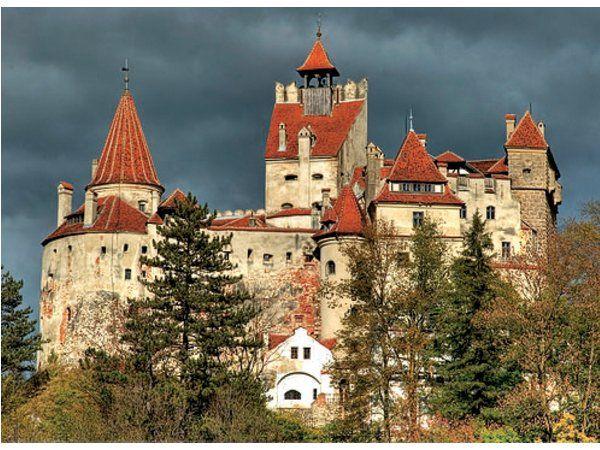 Dracula's Castle Bran Castle  ルーマニア ブラン城 ドラキュラの城とも呼ばれる。