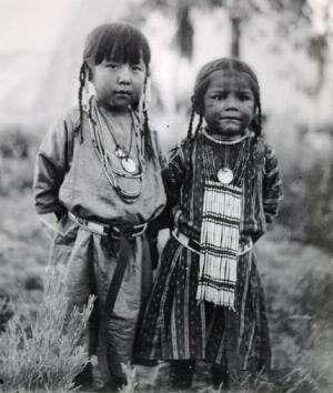 Quelques photosde personnes d'une civilisation incroyablement fascinante. Ils se sont fait massacrer pour la colonisation de leurs terres....   j