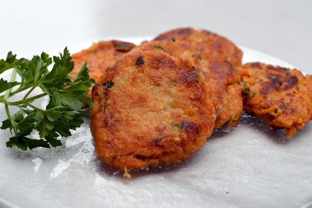 Gluten free SWEET POTATO AND TUNA PATTIES. Head over to www.theorangepantry.com.au for the recipe.