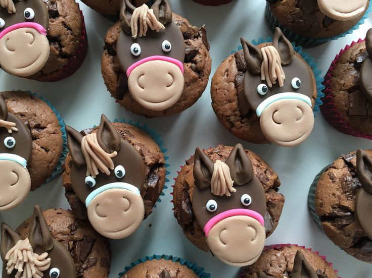 Horse muffins - the icing on the cake at the horse birthday party