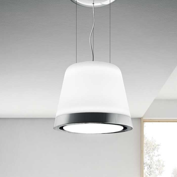 Summilux is the new Elica chandelier hood in white glass, with a frosted glass finish. The combination of mirrored polished stainless steel and glossy glass creates the perfect balance of emotion and technology, making it the ideal product for installation in various styles of kitchens, be it modern or classic.