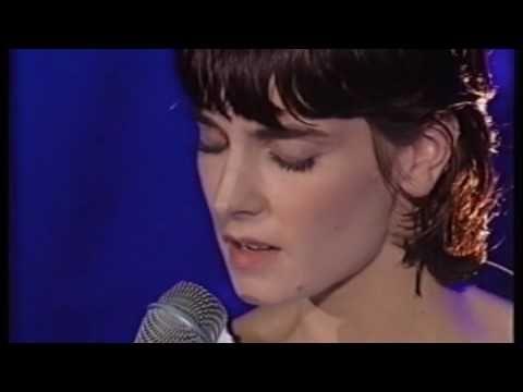 Sinéad O'Connor {Chiquitita }. I love Sinead O'Connor and ...