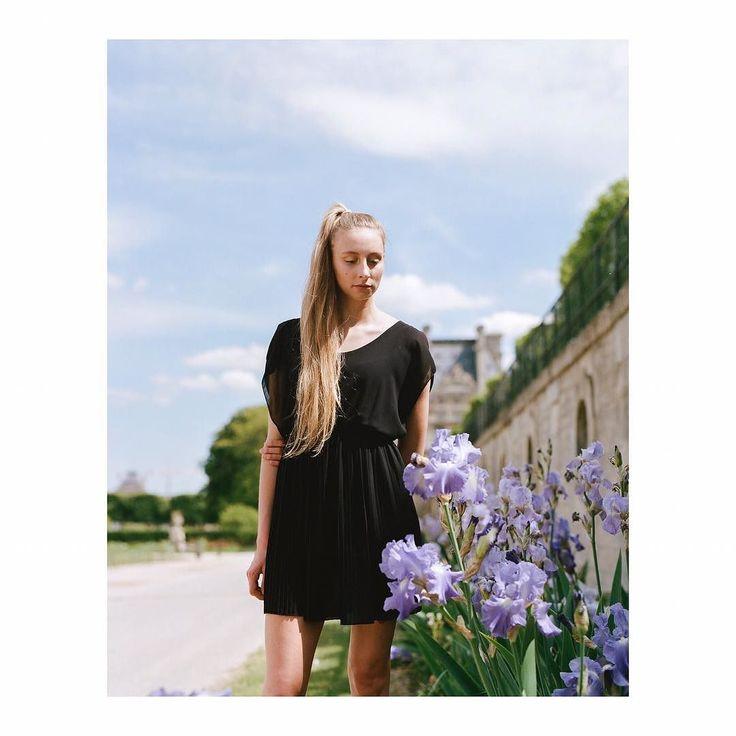 Si l'idée d'un magazine sur la photographie argentique vous intéresse contacter moi en DM merci. Portrait de la très jolie danseuse Ninon @ninonotter - Maquilleuse @sophie.b.makeup  @jeanfrancoispfeiffer Développement et scans @carmencitalab - - - - - - - - - - - #instasize #portrait #portrait_perfection #portraitphotography #6x7 #photooftheday #portraitphotographer #analogphotography #analog #analogmagazine #mediumformat #dancer #analogphotography #analogfilm #girlsonfilm #pentax #pentax6x7…