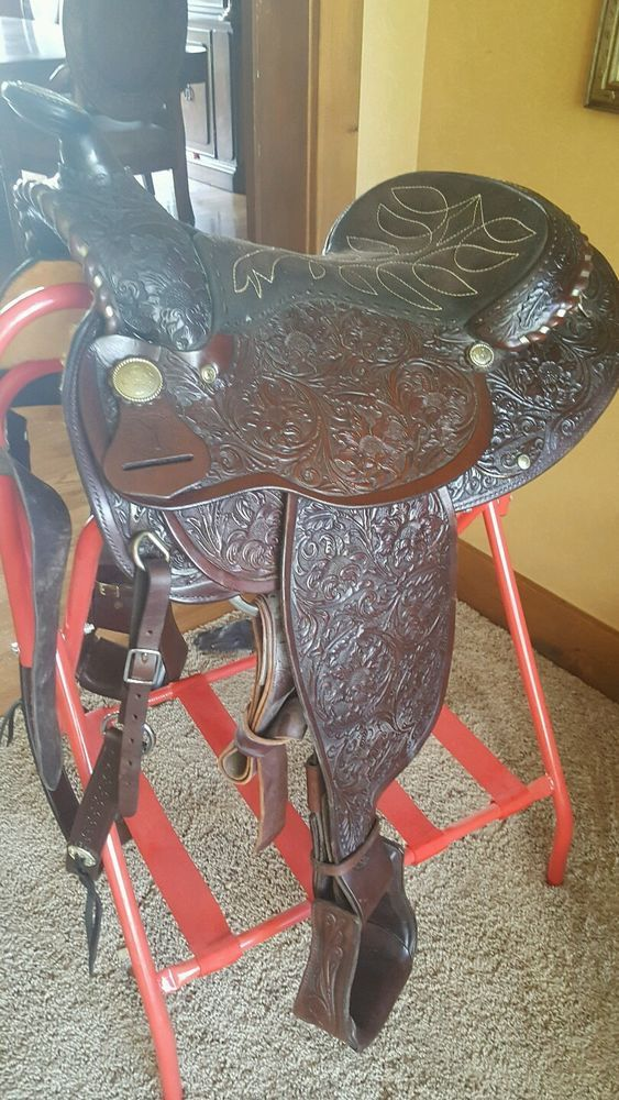 PRICE REDUCED.. New ..Arabian CIRCLE Y SHOW SADDLE..never been on horse. Perfect #CircleY