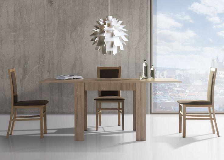 Idealne rozwiązanie do małej, intymnej przestrzeni jadalnianej. Praktyczny, niewielki stół po rozłożeniu pełni rolę funkcjonalnego mebla. Razem z tapicerowanymi krzesłami tworzy zgrany duet niezbędny w każdym domu. #meble #szynakameble #furniture #wood #drewno #inspiracja #zainspirujsie #inspiration #jadalnia #diningroom