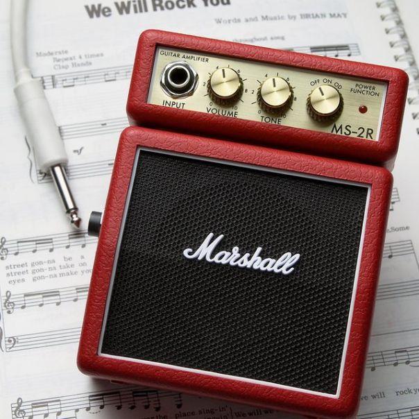 Marshall Mini Amplificateur de Guitare - une idée cadeau dénichée par Georges sur AlloCadeau.com