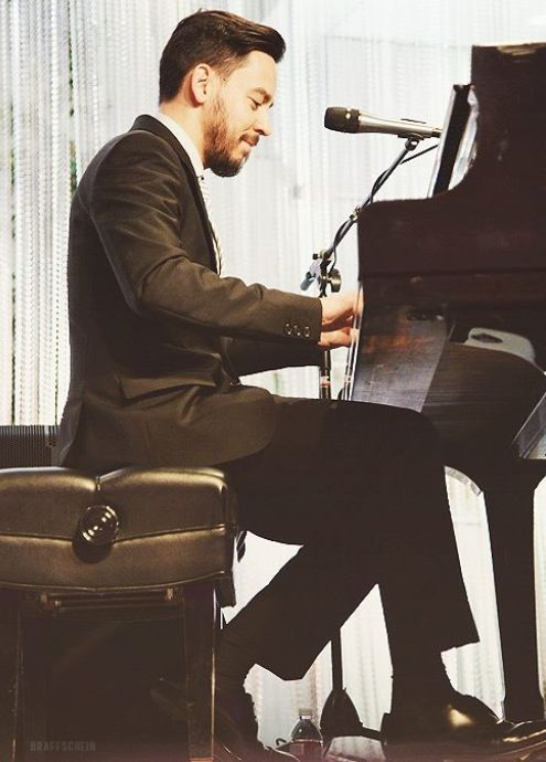 Mike Shinoda <3 such a HANDSOME man!<3 #linkinpark