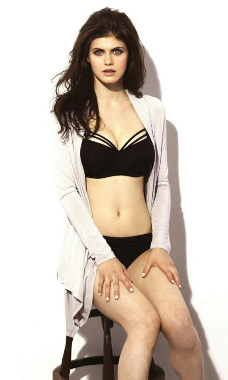 Global Celebrities  • Alexandra Daddario