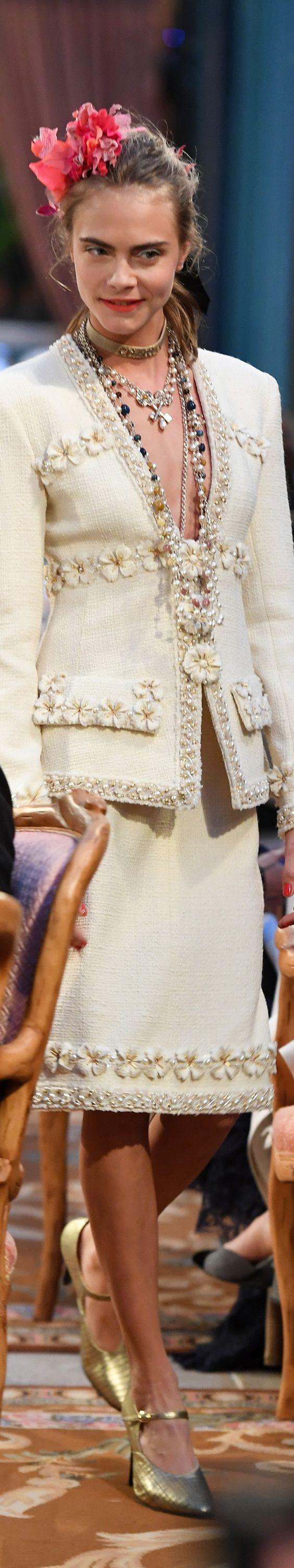 Chanel Pre-Fall 2017 Fashion Show & more details