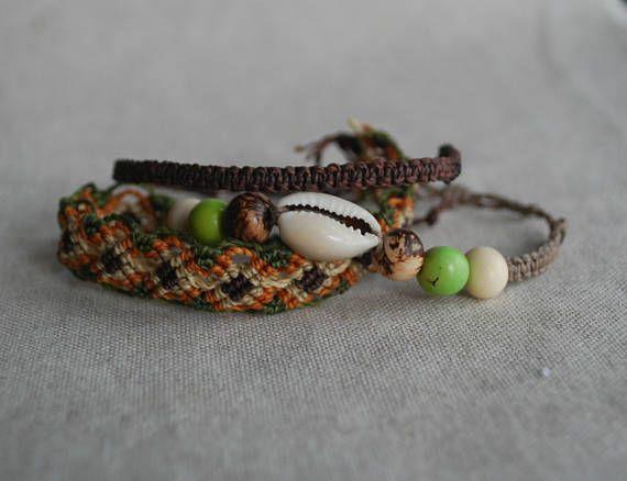 Ehi, ho trovato questa fantastica inserzione di Etsy su https://www.etsy.com/it/listing/527955995/marrone-braccialetto-set-vegan-gioielli