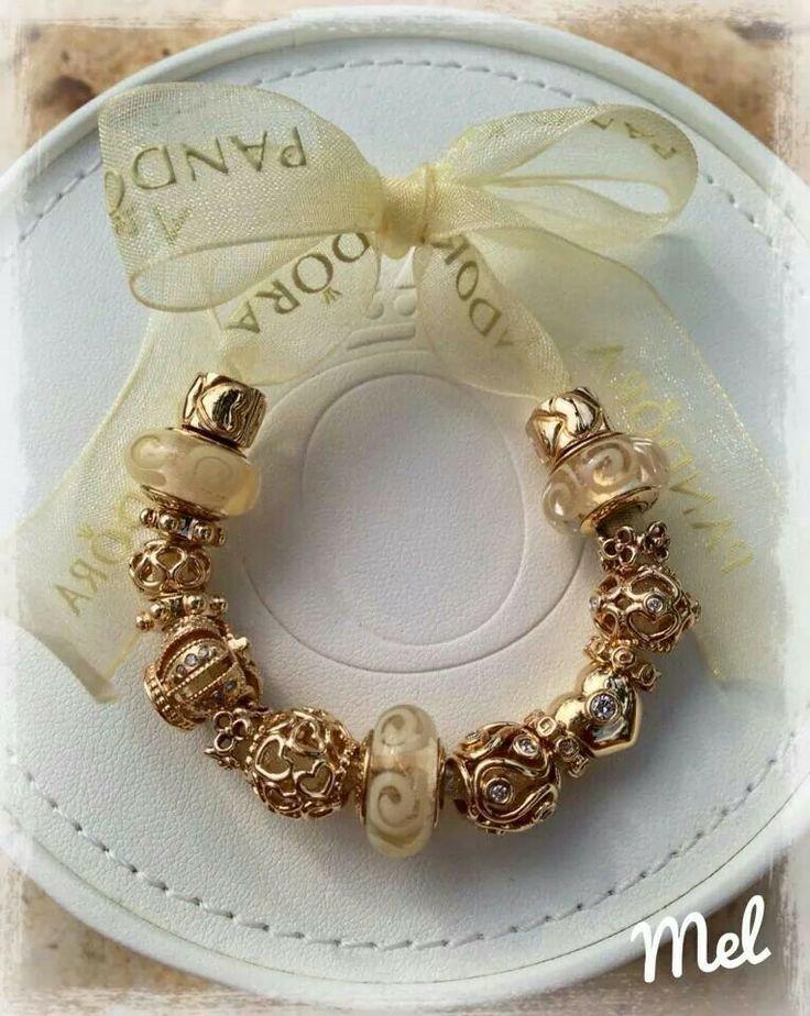 PANDORA. Gorgeous Gold Charms ♡