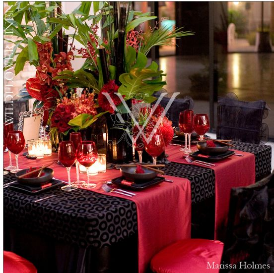 17 best ideas about tropical table runners on pinterest for 007 table decorations