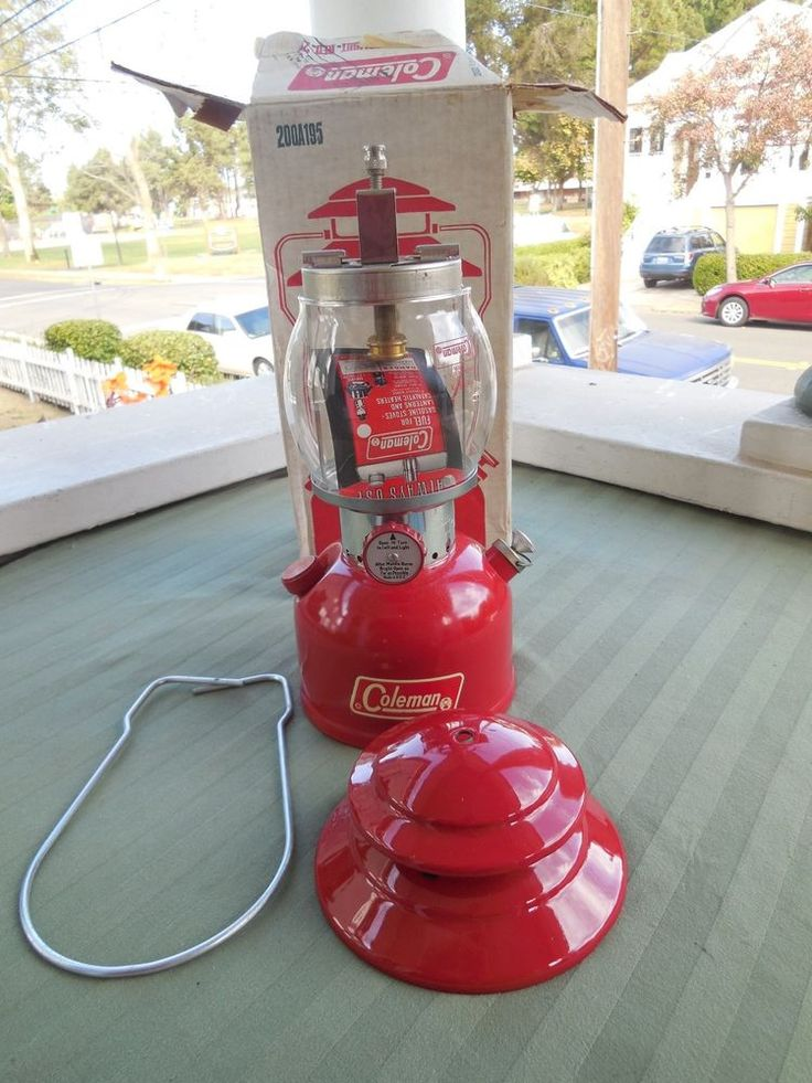 VINTAGE NEVER USED RED COLEMAN LANTERN 200-A / 11-71 / NEW IN BOX  #Coleman