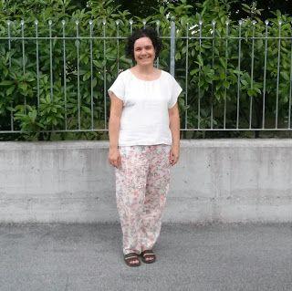 OrloSubito it: Pantaloni stampati, blusa crema!!