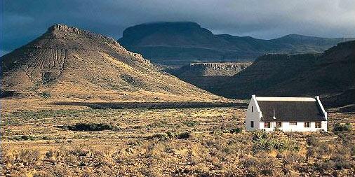 Klein Karoo - so majestic, feels like the earth holds a thousand secrets