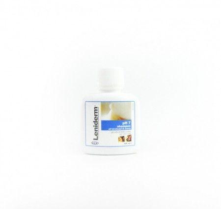 Leniderm Shampoo 100 ml. Szampon Leniderm przywraca odpowiednią wilgotność skóry i regeneruje ją. Pomaga w odbudowie naskórka i przywraca naturalną barierę ochronną skóry. Szampon idealnie oczyszcza skórę, przywracając jej odpowiednią miękkość i sprężystość. Wspiera jej leczenie i regenerację. Szampon zawiera kwasy Omega-3 i Omega-6, mające działania odżywcze. Szampon wykazuje działanie przeciwzapalne.