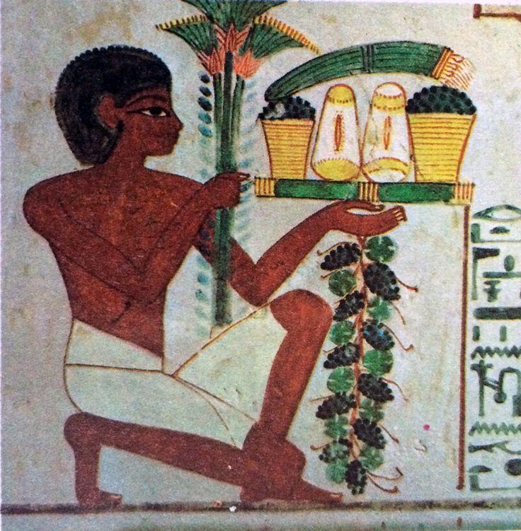 LABORATORIO DELL'IMMAGINE LA STORIA DEL CIBO NELLE IMMAGINI Numerosi rilievi in stucco dipinto e pitture rinvenuti nelle tombe dell'antico Egitto raffigurano tavole cariche di cibi, o personaggi che reggono sulle braccia vassoi ricolmi di pani e di frutti... #art #egizia #cibo #geroglifici #history #storia