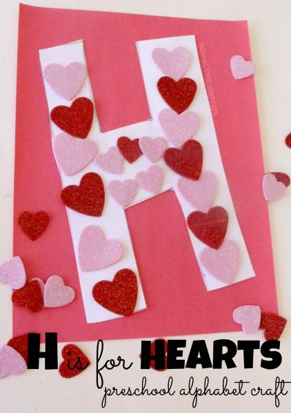 H is for Hearts Preschool Alphabet Craft | School Time Snippets. Pinned by SOS Inc. Resources. Follow all our boards at pinterest.com/sostherapy/ for therapy resources.