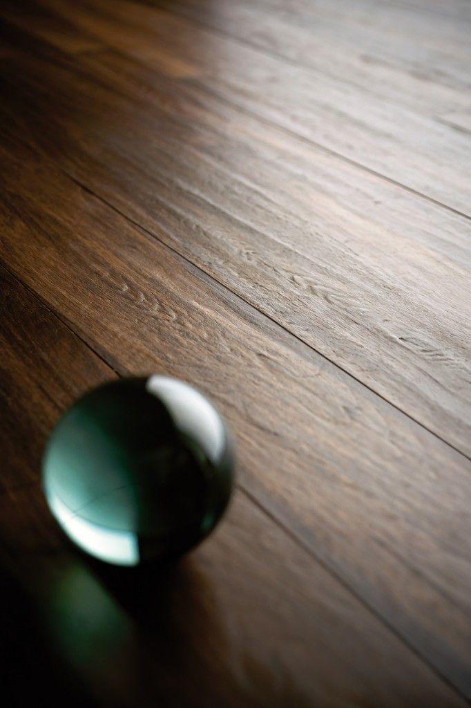 #Piastrelle effetto #legno Grazie alle nuove tecnologie produttive, in particolare alla stampa digitale e alla doppia pressatura alcune speciali collezioni di gres porcellanato hanno un'estetica del tutto simile al parquet, formati compresi maxi e rettificati