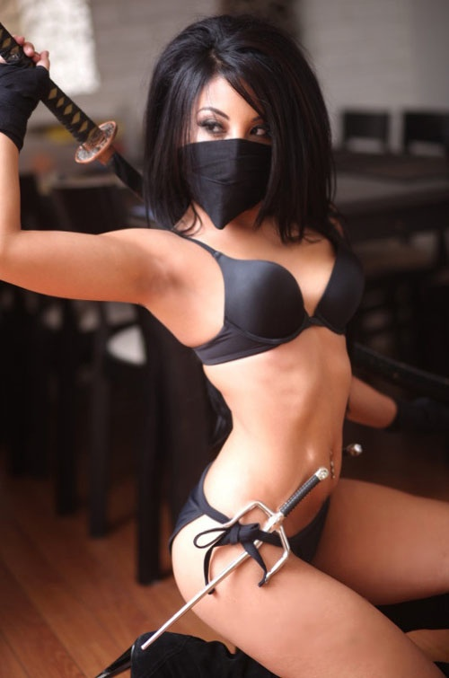 Sexy topless ninjas — pic 5