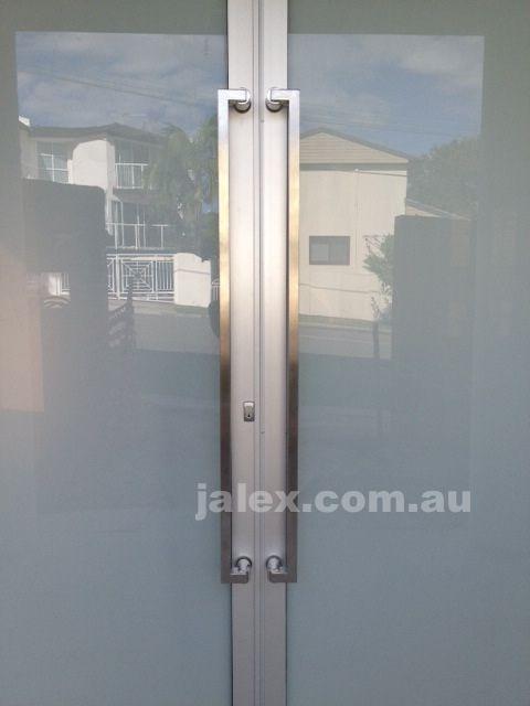 "https://flic.kr/p/ku6ky4   DG-305-1200   <a href=""https://jalex.com.au/shop/door-handles-1200-mm-/dg-305-1200.html"" rel=""nofollow"">jalex.com.au/shop/door-handles-1200-mm-/dg-305-1200.html</a>"