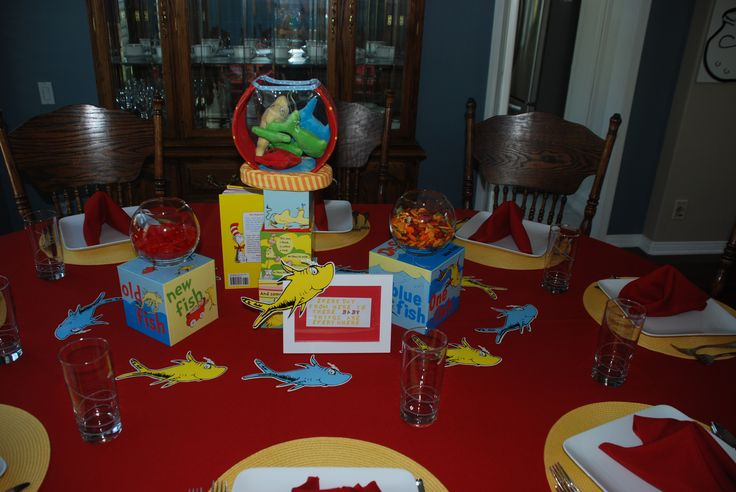 Dr Suess Baby Shower: One Fish Two Fish Table