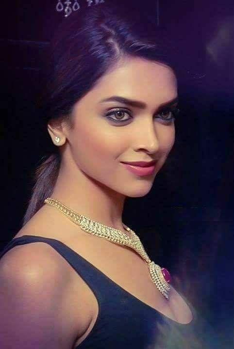 #Xtrahot Deepika Padukon